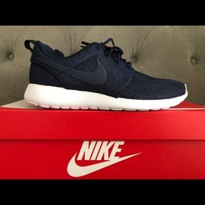 Nike Women's Roshe One Shoes NWT- NEW!